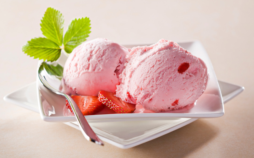 Strawberry-Ice-Cream-ice-cream-34732718-1440-956