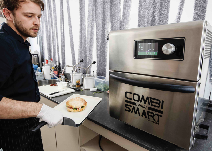 Un brunch estivo pronto in pochi minuti con Combi Wave Smart